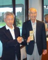 準優勝表彰、坂上会長と幹事校早稲田南会計士