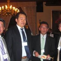 懇親会にて、山本副会長、山本幹事、木田副会長