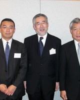 酒井日本大学総長を囲んで木田副会長、坂上会長